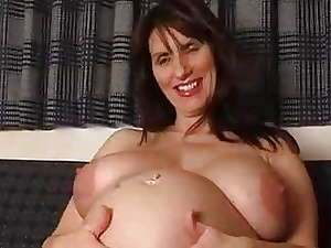 Well-spoken inexpert milf spreads the brush wide open pussy