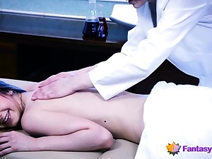 Lesbo Medic Massages a Beauty