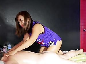 Amazing rubdown sex with this hefty rump fledgling Thai girl