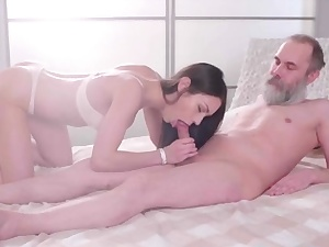Tempting honey gets fucked enormously rock-hard